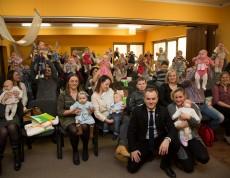 Na spotkaniu, które odbyło się 28 lutego br. w Centrum Małego Dziecka i Rodziny, Burmistrz Sępólna Krajeńskiego Waldemar Stupałkowski uroczyście powitał dzieci urodzone od 1 lipca do 31 grudnia 2016 roku z terenu Gminy Sępólno Krajeńskie.